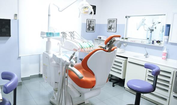 studio-dentistico-ballone-vomero-napoli-colli-aminei8-590x350-ok